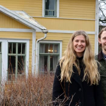 Från storstadslivet till lugna landsbygden - Oscar Gräsbeck och Ida Söderström valde Bromarv framom Helsingfors
