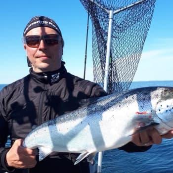 Intohimoinen vetouistelija Kimmo Sirola suunnittelee maaliskuista kalareissua