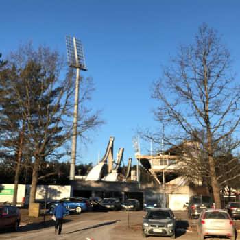 """Viilentynyt sää auttoi Salpausselän Kisojen olosuhteet huippukuntoon - """"iltarukoukset kannattivat"""""""