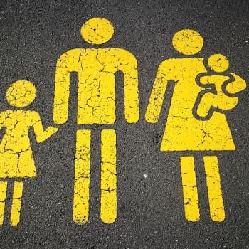 Miten feministinen hallitus huomioi erilaiset perheet?