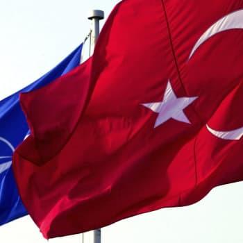Nato ei hevillä auta Turkkia Syyrian suhteen