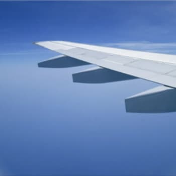 """Onko lentäminen enää turvallista? """"Traagisista tapahtumista huolimatta lentämisen suosio kasvaa"""""""