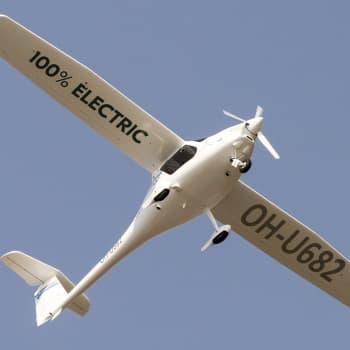 """""""Sähköinen lentäminen on tulevaisuuden ekologisin tapa liikkua"""" - korkealentoista visiointia vai lähitulevaisuutta?"""