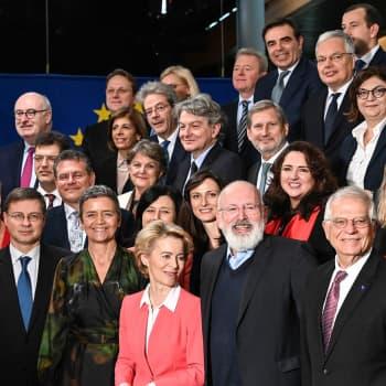 """Uuden komission hylkäämä kärkimiesmenettely kaihertaa EU-parlamentin mieltä - """"Parlamentilla on peiliin katsomisen paikka"""""""