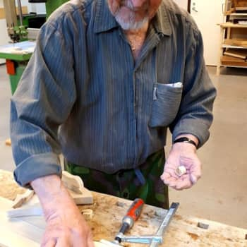 Pentti Tirrin, 91, harrastus on puutyöt