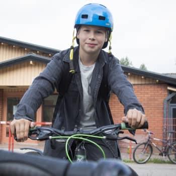 Kangasalalla koulumatkoja kuljetaan suositusten mukaan jalan tai pyörällä