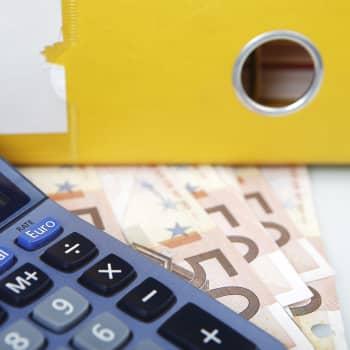 """""""Veropopulismi ei ole kestävää"""" — Laajamittaisiin veronalennuksiin ei ole varaa kajoamatta julkisen sektorin menoihin"""