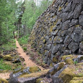 Vasikkasaari saattaa nousta Helsingin seuraavaksi merelliseksi helmeksi – saaressa tehdään jo uusia polkuja ja portaita