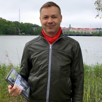 1960-luku toi Helsinkiin suuret lähiöt ja moottoritiet – Jussi Iltanen kokosi muutosten vuosikymmenen kansien väliin