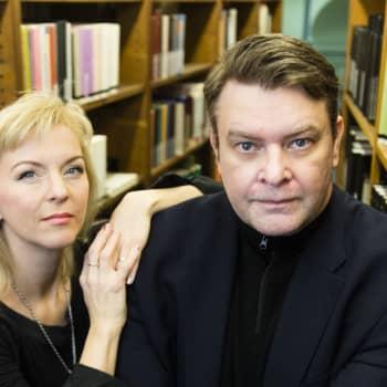 Millainen on hyvä lopetus? Sinikka Vuola ja Tommi Melender kertovat lukijan roolista teoksen toisena tekijänä.