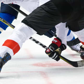 Uskaltaako suomalaisurheilija avata suunsa? Minkälaista kiekkoilijan elämä on USA:n yliopistossa? Vieraana Aapeli Räsänen