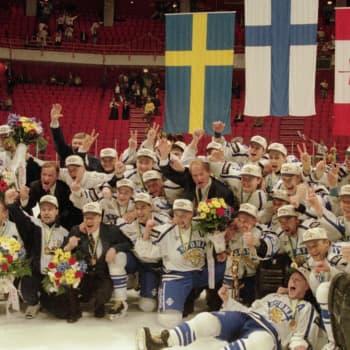 Kansa rakastaa menestystä - jääkiekossa sitä pienenä lajina on Suomellekin tarjolla