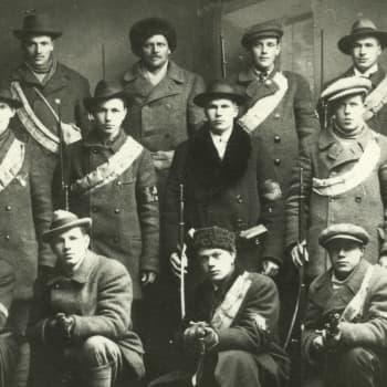 Sisällissota 1918 - punaiset muistot: Punaisten kuriiri idän pakojunassa (Werner Mela, Helsinki)