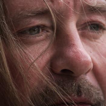 yle.fi/musiikki: Roope Latvala - selkäänpuukotettu mies