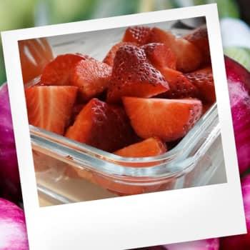 Makuasia: Mansikka ja kausiruoka