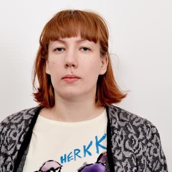Puheen Iltapäivä: Litku Klemetti: Ala-asteella identifioin itseni iskelmätytöksi - oli älykkäämpää kuunnella iskelmää kuin Spice Girlsejä