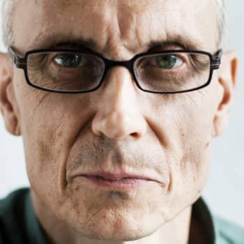 2012 Juha Seppälä ja romaani Mr. Smith