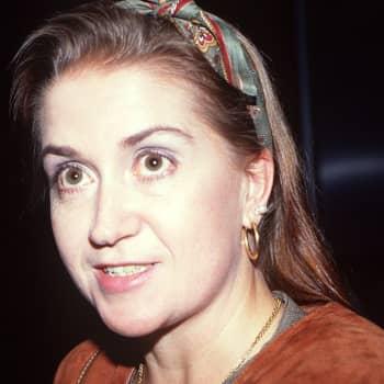1981 Anja Kauranen ja romaani Sonja O. kävi täällä