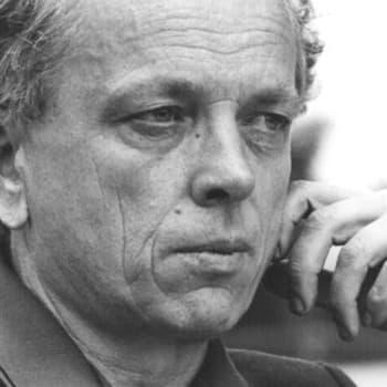 1974 Veijo Meri ja esseekokoelma Kuviteltu kuolema