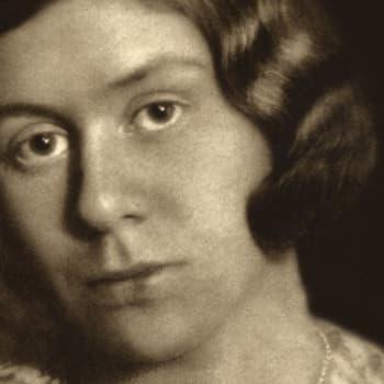 1935 Saima Harmaja ja runokokoelma Sateen jälkeen