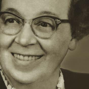 1926 Hilja Valtonen ja romaani Nuoren opettajattaren varaventtiili