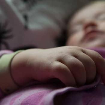 Aspekti: Lasten kuorsaamiseen syytä puuttua