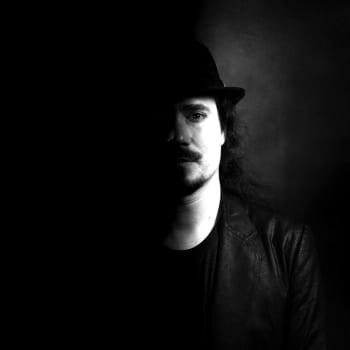 yle.fi/musiikki: Tuomas Holopaisen haastattelu kokonaisuudessaan