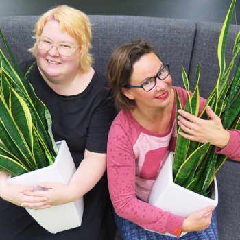 YLE Tampere: Rosa Meriläiselle ja Saara Särmälle feminismi on iloinen asia