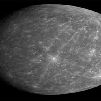 Kuukauden tähtitaivas: Toukokuun tähtitaivas 2016: Merkurius vaeltaa Auringon editse maanantaina 9.5