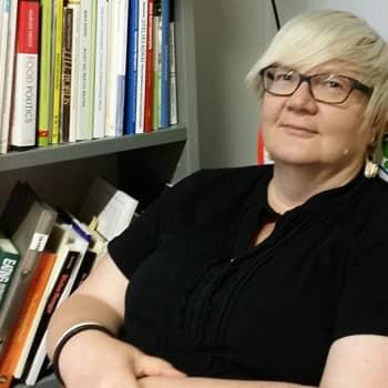 Ruokatreffit: Ruokaprofessori Johanna Mäkelä: Mitä emme syö kertoo meistä nykyään enemmän kuin se mitä syömme