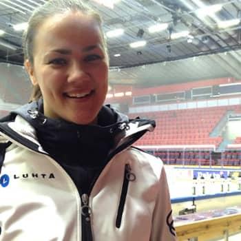 Urheilijaelämää: 22-vuotias Anna Vuorela on muodostelmajoukkueensa mummo