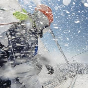 Yövieras: Ari Huusela seilaa yli Atlantin