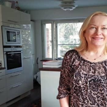Yövieras: Tiina Nopola seurasi isosiskoaan kirjailijaksi