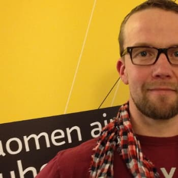 Taiteilijaelämää: näyttelijä Petteri Summanen
