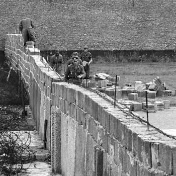 DDR sulkee rajan Berliinissä – ensiarvio tilanteesta