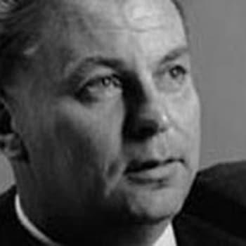 Paavo Rintalan haastattelu ja  romaanin Paasikiven aika esittely (1969)