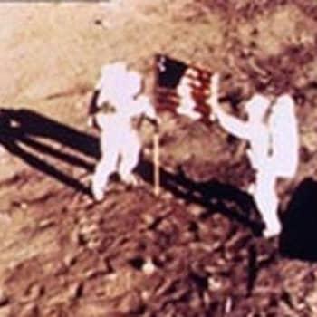 Apollo-11 lento. Ensimmäinen ihminen astui kuuhun (1969)