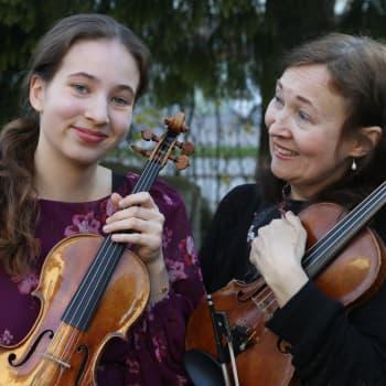 Viulismi verissä - Maarit Kyllönen ja Rebecca Roozeman