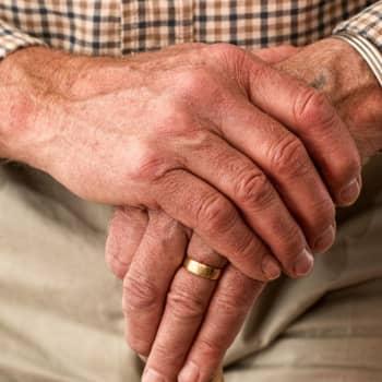 Gruff över generationsgränserna och varför ska just de äldre begränsas mer än andra?