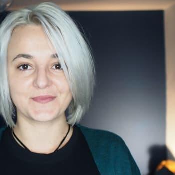 Seksuaalikasvatusta Romanian nuorisolle YouTubessa