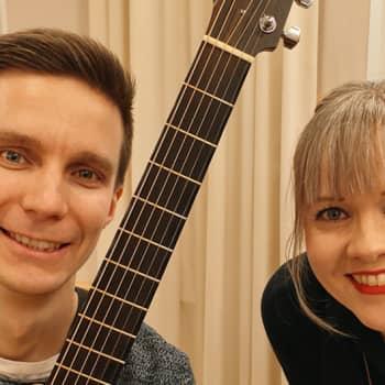 """Kitaristi J-P Piirainen: """"Keikalla heitetään itsesuojeluvaisto romukoppaan"""""""
