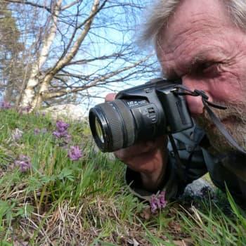 Kuusi kuvaa  lampuri Jukka Tobiassonin elämästä