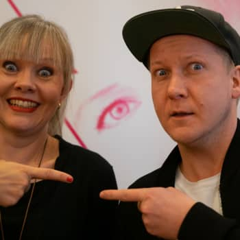 """Riikan tähtitarha musikaalin lumoissa! Petrus Kähkönen: """"Ensin nauretaan katsoja auki ja sitten esitetään vakava kysymys"""""""