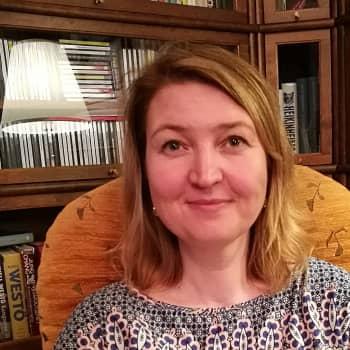 Lauluvallankumouksen aika - pääkonsuli Liina Viies