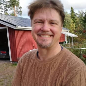 Elämänmakuisia balladeja - kirjailija Timo Parvela