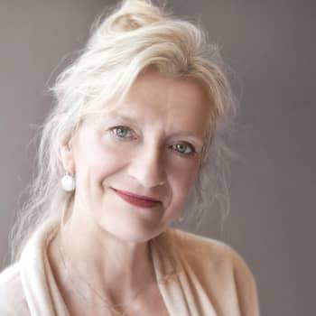 Elizabeth Strout kirjoittaa mielen pienistä liikkeistä ja elämän suurista murhenäytelmistä