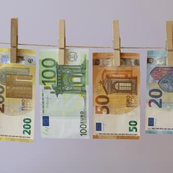 Ensimmäiset päivät - eurot ovat täällä!