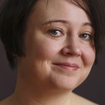 Emma Puikkonen kertoo kirjastaan Lupaus