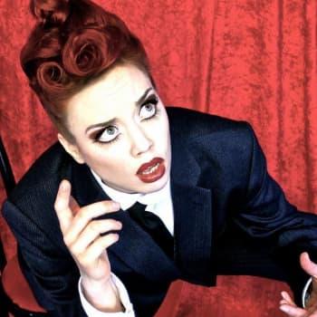 Dok: Burlesque med Lady Laverna