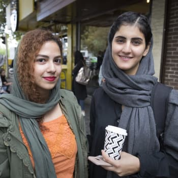 Iranin naiset ryhtyivät kapinaan huivipakkoa vastaan